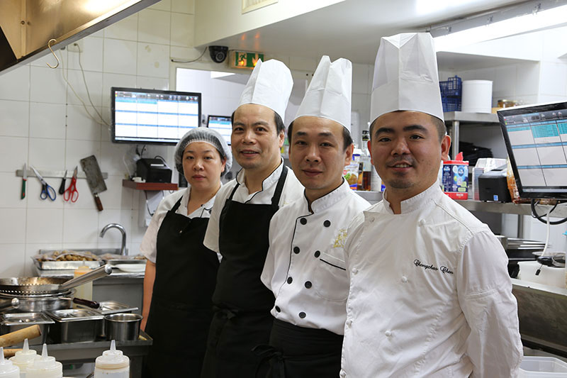 royal-buffet-restaurant-asiatique-paris-equipe